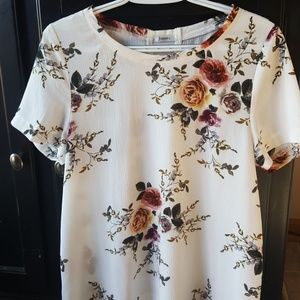 Beautiful blouse with detailed flowers